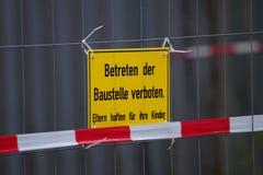 Εργοτάξιο οικοδομής προειδοποίησης Στοκ εικόνα με δικαίωμα ελεύθερης χρήσης
