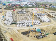 Εργοτάξιο οικοδομής του κατοικημένου σπιτιού σε Tyumen Στοκ εικόνα με δικαίωμα ελεύθερης χρήσης