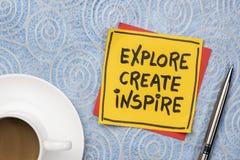 Ερευνήστε, δημιουργήστε, εμπνεύστε την έννοια στην πετσέτα στοκ φωτογραφίες με δικαίωμα ελεύθερης χρήσης