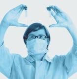 Ερευνητής στο εργαστήριο Στοκ φωτογραφία με δικαίωμα ελεύθερης χρήσης