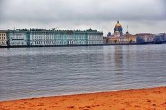 Ερημητήριο και καθεδρικός ναός Αγίου Isaacs στην Άγιος-Πετρούπολη, Ρωσία στοκ φωτογραφία με δικαίωμα ελεύθερης χρήσης