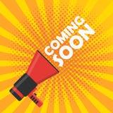 Ερχομός σύντομα διανυσματικό έμβλημα Megaphone ανακοίνωσης Ελεύθερη απεικόνιση δικαιώματος