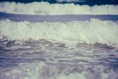 Ερχόμενα ωκεάνια κύματα Στοκ εικόνα με δικαίωμα ελεύθερης χρήσης