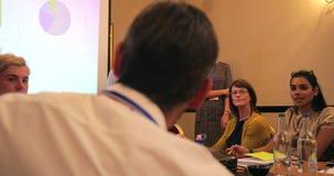 Ερώτημα των ερωτήσεων κατά τη διάρκεια της παρουσίασης απόθεμα βίντεο