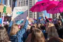 2$ες ετήσιες γυναίκες ` s Μάρτιος - άνοδος της γυναίκας Στοκ Εικόνες