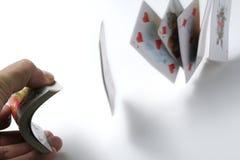 εστίαση καρτών που παίζει τα τεχνάσματα Στοκ Εικόνες