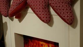 Εστία με τις κάλτσες Χριστουγέννων φιλμ μικρού μήκους