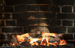 Εστία, τοίχος τούβλων Υπόβαθρο εστιών Sooty τούβλα Στοκ εικόνες με δικαίωμα ελεύθερης χρήσης