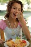 εστιατόριο κοριτσιών στοκ εικόνες με δικαίωμα ελεύθερης χρήσης