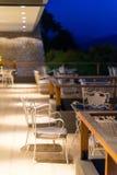 Εστιατόριο πόλεων Nafplio τη νύχτα στοκ εικόνες