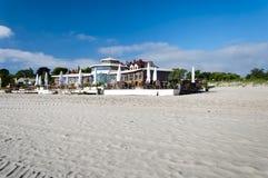 Εστιατόριο στην ακτή της θάλασσας της Βαλτικής Στοκ φωτογραφία με δικαίωμα ελεύθερης χρήσης