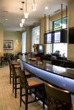 Εστιατόριο φραγμών με το συμπαθητικό εσωτερικό στοκ φωτογραφία