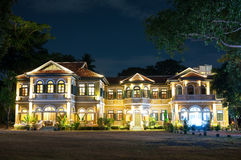 Εστιατόριο Phuket μεγάρων του μπλε κυβερνήτη ελεφάντων & μαγειρεύοντας σχολείο Στοκ φωτογραφίες με δικαίωμα ελεύθερης χρήσης