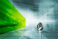 Εσωκλειόμενο υψηλή τεχνολογία υπόβαθρο στούντιο ειδήσεων με το μικρόφωνο γεύματος Στοκ εικόνα με δικαίωμα ελεύθερης χρήσης
