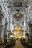 Εσωτερικές εκκλησίες, χρυσός, περίκομψος, σχέδια και Viennas θεαματικές στοκ φωτογραφία με δικαίωμα ελεύθερης χρήσης