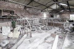 Εσωτερικές καταστροφές αγροτικό outbuilding Στοκ εικόνες με δικαίωμα ελεύθερης χρήσης