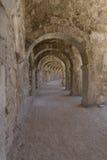 Εσωτερικές μεταβάσεις στο αρχαίο ρωμαϊκό αμφιθέατρο Aspendos Στοκ φωτογραφίες με δικαίωμα ελεύθερης χρήσης