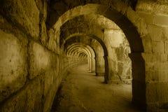 Εσωτερικές μεταβάσεις στο αρχαίο ρωμαϊκό αμφιθέατρο Aspendos Στοκ Φωτογραφία