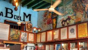 Εσωτερικές χρώματα και εικόνες τοίχων Λα Bodeguita del Medio Στοκ Φωτογραφία