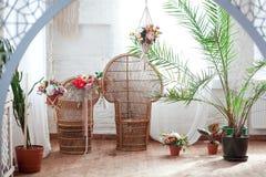 Εσωτερική άποψη ενός αραβικού δωματίου με τα παραδοσιακά έπιπλα, τάπητας, Μαρακές, Μαρόκο, Βόρεια Αφρική Στοκ φωτογραφίες με δικαίωμα ελεύθερης χρήσης