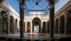 Εσωτερική άποψη στο μουσουλμανικό τέμενος Al Fateh, Manama, Μπαχρέιν Στοκ εικόνες με δικαίωμα ελεύθερης χρήσης