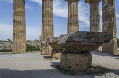 Εσωτερική άποψη του ελληνικού ναού στο σισιλιάνο έδαφος selinunte στοκ εικόνες