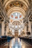 Εσωτερική άποψη του καθεδρικού ναού του Σάλτζμπουργκ στοκ εικόνα με δικαίωμα ελεύθερης χρήσης