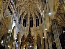 Εσωτερική αρχιτεκτονική λεπτομέρεια καθεδρικών ναών στοκ εικόνα με δικαίωμα ελεύθερης χρήσης