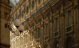 Εσωτερική αρχιτεκτονική του Emanuele Gallery Vittorio στοκ εικόνα