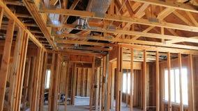 Εσωτερική διαμόρφωση ενός καινούργιου σπιτιού κάτω από την κατασκευή απόθεμα βίντεο