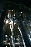 Εσωτερική εκκλησία Gaudi Στοκ Φωτογραφία