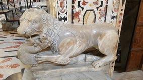 Εσωτερική λεπτομέρεια του καθεδρικού ναού της Σάντα Μαρία στο Κάλιαρι, Σαρδηνία Ιταλία - λιοντάρι Στοκ εικόνες με δικαίωμα ελεύθερης χρήσης