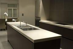 εσωτερική κουζίνα σύγχρονη Στοκ εικόνες με δικαίωμα ελεύθερης χρήσης