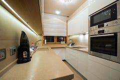 εσωτερική κουζίνα σύγχρονη Στοκ φωτογραφία με δικαίωμα ελεύθερης χρήσης
