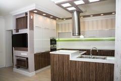 εσωτερική κουζίνα σύγχρ&omi στοκ φωτογραφίες με δικαίωμα ελεύθερης χρήσης