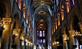 Εσωτερική λαμπρότητα της Notre Dame Στοκ Φωτογραφίες