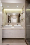 εσωτερική πετσέτα κύπελλων λουτρών Στοκ Φωτογραφία