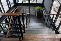 Εσωτερική συγκεκριμένη σκάλα Στοκ εικόνα με δικαίωμα ελεύθερης χρήσης