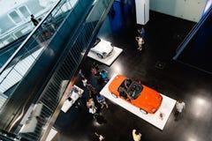 Εσωτερική υψηλή άποψη γωνίας του μουσείου της BMW στο Μόναχο Στοκ Εικόνες