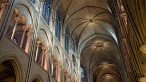 Εσωτερική φωτογραφία καθεδρικών ναών της Notre Dame Στοκ φωτογραφία με δικαίωμα ελεύθερης χρήσης