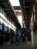 Εσωτερικοί διάδρομοι του μοναστηριού στοκ εικόνα με δικαίωμα ελεύθερης χρήσης