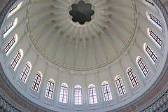 Εσωτερικός θόλος του μουσουλμανικού τεμένους Heydar, Μπακού Στοκ Φωτογραφίες