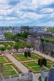 Εσωτερικός κήπος του πύργου Angers στην κοιλάδα της Loire της Γαλλίας Στοκ εικόνες με δικαίωμα ελεύθερης χρήσης