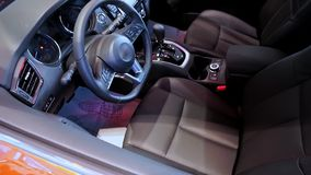 Εσωτερικός στενός επάνω αυτοκινήτων πολυτέλειας απόθεμα βίντεο