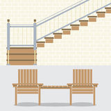 Εσωτερικός τοίχος τούβλων με τα σκαλοπάτια και τις ξύλινες έδρες Στοκ Φωτογραφία