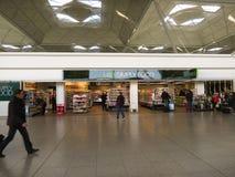Εσωτερικό αερολιμένων του Λονδίνου Standsted Στοκ εικόνα με δικαίωμα ελεύθερης χρήσης