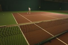 Εσωτερικό αντισφαίρισης λεσχών κορίτσι παιχνιδιού τομέων δικαστηρίων καθαρό Στοκ φωτογραφίες με δικαίωμα ελεύθερης χρήσης