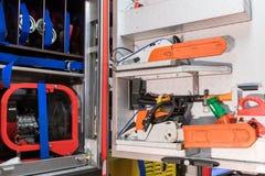 Εσωτερικό από ένα πυροσβεστικό όχημα με τον εξοπλισμό Στοκ εικόνα με δικαίωμα ελεύθερης χρήσης