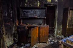 Εσωτερικό από το σπίτι πυρκαγιάς, μμένα έπιπλα Στοκ φωτογραφίες με δικαίωμα ελεύθερης χρήσης
