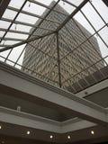 Εσωτερικό γυαλιού οικοδόμησης - έξω Στοκ Φωτογραφίες